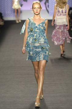 Anna Sui Spring 2006 Ready-to-Wear Fashion Show - Heather Marks