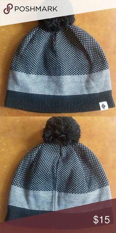 59669336593  BlackDiamond  Bobble Beanie Go-to beanie! Black and white patter knit Black