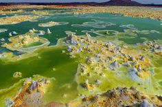 Dallol in January-February 2011: Large and colourful ponds: one of my favourite salt images from Stromboli-on-Line