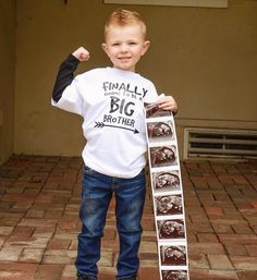 Big Brother or Sister Baby Announcement Older Brother Older Sister Future Brother Future Sister T-shirt - Baby Sibling Baby Announcements, Baby Number 2 Announcement, Big Brother Announcement Shirt, Baby Announcement Pictures, Its A Girl Announcement, Baby News, Promoted To Big Brother, New Baby Products, Trendy Baby