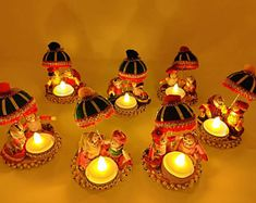 Diwali Decoration Items, Thali Decoration Ideas, Diwali Decorations At Home, Christmas Party Decorations, Festival Decorations, Decoration Party, Unique Candle Holders, Unique Candles, Tea Light Candles