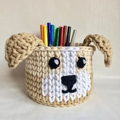 """The location where building and construction meets style, beaded crochet is the act of using beads to decorate crocheted products. """"Crochet"""" is derived fro Crochet Home, Bead Crochet, Crochet Crafts, Crochet Basket Pattern, Crochet Patterns, Crochet Baskets, Yarn Projects, Crochet Projects, Crochet Storage"""