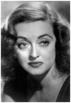 I absolutely adore Bette Davis. When you watch Marilyn Monroe act and Bette Davis act there is truly no comparison. Hooray For Hollywood, Hollywood Icons, Old Hollywood Glamour, Golden Age Of Hollywood, Vintage Hollywood, Hollywood Stars, Classic Hollywood, Hollywood Lights, Hollywood Actresses