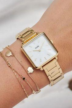 De CLUSE La Tétragone is een uniek vierkant horloge met 28,5 mm kast.   #cluse #clusewatch #clusehorloge #dameshorloge #horlogedames #juwelierbosmans #aalst #fashion #uurwerk #horloge #vierkant #vierkanthorloge #afgerond #dames #accessoires #juwelen #elegant #minimalistisch #stijlvol #eenvoud #minimalisme #eigentijds #stoer #statement #vrouwelijk #blikvanger #look #uitstraling #horlogeband #afneembaar #verwisselbaar #kwaliteit Daniel Wellington Watch, Other Accessories, Jewelry Accessories, Fashion Accessories, Women's Watches, Fashion Watches, Jewelry Closet, Jewelry Tattoo, Fashionable Outfits