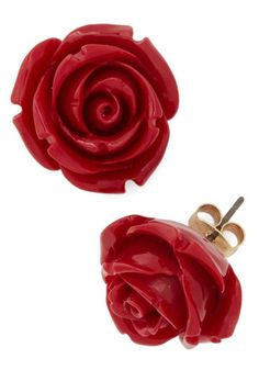 Retro Rosie Earrings in Red. Your fervor for all things retro has you ready and raring to rock these adorable rose earrings. #redNaN