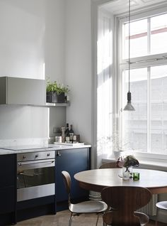 Kitchen in blue and green - via cocolapinedesign.com