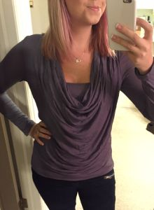 Stitch Fix - - Selfridge Cowl Neck Long Sleeve Top - Front Really like this shirt! Like the cowl neck with the layer underneath Stitch Fit, Stitch Fix Fall, Stitch Fix Outfits, Diva Fashion, Fashion Outfits, Fix Clothing, Stitch Fix Stylist, Cowl Neck, Long Sleeve Tops