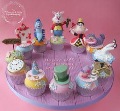 https://flic.kr/p/URJzMG | Alice in Wonderland Cupcakes