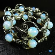 Catchy-Plated-Silver-Framed-Smoothly-Round-Faceted-Opaline-Bracelet