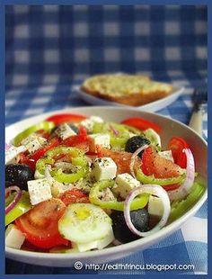 SALATA GRECEASCA- De cand m-am intors din concediu din Grecia nu prea am chef de gatit. Salata asta e fost printre putinele feluri pe care le-am facut la intoarere, imi era Edith's Kitchen, Yummy Food, Tasty, Caprese Salad, Food Art, Detox, Deserts, Health Fitness, Cooking