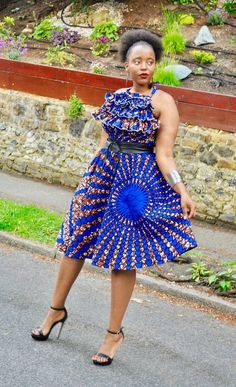 Here are some lovely and adorable ankara gowns that come in different styles and designs just to give you an awesome look.