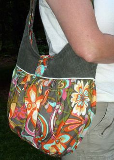 Sew A Bag Scoop Tote Bag easy pdf purse sewing pattern by aivilocharlotte - Purse Patterns, Sewing Patterns, Crochet Patterns, Sewing Ideas, Sewing Projects, Craft Projects, Coordinating Fabrics, Different Fabrics, Tote Purse