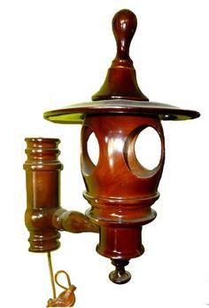 Hiasan Lampu Dinding Dari Kayu Jati Blora   #handicraft #wood #beautiful #beauty #art #vigor #kerajinan #kayu #teakroot #akarjati #kuat #indah #keindahan #indonesia #indonesian #industri #jati #table #meja #tunggak #perabot #furniture #mebel #gembol #akar #decoration #homedecor #antique #old #wallmounted #lamp
