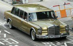 いいね!933件、コメント10件 ― The Mercedes-Benz Clubさん(@themercedesbenzclub)のInstagramアカウント: 「Stunning Mercedes 600 (W100) Pullman in amazing icon gold . . . #spikeycurve…」