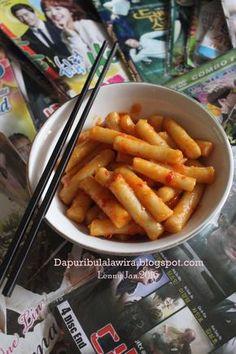 Assalamualaikum Yang suka nonton drama korea pasti tau kue satu ini. Yaaapppp....kue ini sering disebut kue beras karena memang...
