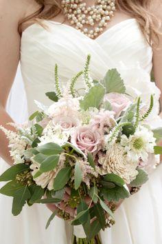 Courtenay Lambert Florals, Cincinnati Wedding florist.  Bouquets of Quicksand Roses, Scabiosa Flower, Dusty Miller, Seeded Eucalyptus, Astilbe, Veronica, Balsa Wood Sola Tapioca flowers, Juliet Garden Rose.