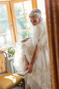 Oman häävuotesi 2016 ensimmäinen häälehti ilmestyy lokakuussa! Häät-lehti 2/2015 Girls Dresses, Flower Girl Dresses, Lace Wedding, Wedding Dresses, Flowers, Fashion, Dresses Of Girls, Bride Dresses, Moda