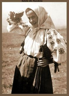 Taranca din Vidra Muntii Apuseni 1937. Romania, Fashion, Moda, Fashion Styles, Fashion Illustrations