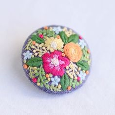 * . Colorful brooch . . #刺繍#手刺繍#手芸#embroidery#handembroidery#stitching#needlework#자수#broderie#bordado#вишивка#stickerei