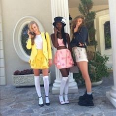 130 Winning Group Halloween Costume Ideas via Brit + Co Trio Halloween Costumes, Clueless Halloween Costume, 90s Costume, Halloween Inspo, Halloween Kostüm, Halloween Cosplay, Halloween Outfits, Cher Clueless Costume, Zombie Costumes