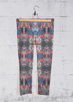 Original artwork embellishes our four-way stretch, mid-rise printed capri pants designed to make you stand out at the gym, in the studio, or on the go. Each capri legging is hand-cut and made in California. Capri Leggings, Capri Pants, Signature Design, Fashion Labels, Embellishments, Original Artwork, Rainbow, California, Gym