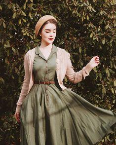 Vintage Inspired Fashion, 1940s Fashion, Modest Fashion, Fashion Dresses, Hijab Fashion, Vintage Dresses, Vintage Outfits, Look Retro, Feminine Style
