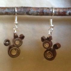 Boucles d'oreille chat en quilling, papier roulé : Boucles d'oreille par dibavalem
