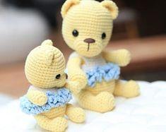 crochet pattern amigurumi mom and baby bunny Easy Amigurumi Pattern, Crochet Doll Pattern, Crochet Patterns Amigurumi, Amigurumi Doll, Baby Bunnies, Bunny, Stuffed Toys Patterns, Mom And Baby, Flower Patterns