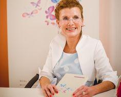 Terapia u mňa bolí, razantne upozorňuje známa psychosomatička Jarmila Klímová, ktorá je spoluzakladateľkou nového nazerania na ľudskú psychiku a vznik chorôb. Kto sa chce vyliečiť, musí v živote niečo zmeniť, tvrdí česká lekárka, vďaka ktorej patrí psychosomatika do osnov moderného uvažovania o zdraví.