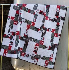 If you'd like easy piecing with graphic results in red, black and white, you've found it here! Keepsake Quilting's exclusive Cherry Splash quilt kit has piecing directions, and Amy Shaw's Cherry Pop fabrics from Wilmington Prints for the top and binding.