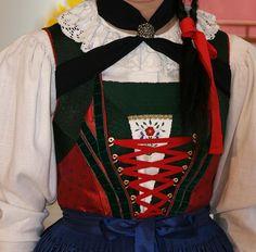 Trachten - Trachtenschneiderin.at Lienzer Tracht Folk Clothing, Traditional Dresses, Austria, Ukraine, Switzerland, Folk Art, Germany, Europe, Culture