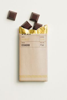 DUSK Chocolate on Packaging of the World - Creative Package Design Gallery Chocolate Diy, Chocolate Brands, Chocolate Lovers, Chocolate Company, Melting Chocolate, Candy Packaging, Chocolate Packaging, Coffee Packaging, Bottle Packaging
