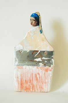 Sculpted brushes San Francisco-based artist Rebecca Szeto uses old paint brushes to hand sculpt female portraits largely inspired by women of the Renaissance period and other female figures of art history. Johannes Vermeer, Paint Brush Art, Paint Brushes, Assemblage Art, Mix Media, Recycled Art, Art Plastique, Oeuvre D'art, Awesome