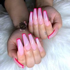 Semi-permanent varnish, false nails, patches: which manicure to choose? - My Nails Best Acrylic Nails, Summer Acrylic Nails, Summer Nails, French Nails Glitter, Glitter Nails, Nailart, Exotic Nails, Aycrlic Nails, Fire Nails