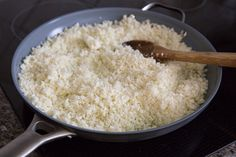 A step-by-step photo tutorial on how to make cauliflower rice using a food processor or box grater. Cauliflower Rice saves calories and makes you full! Cooking Cauliflower Rice, How To Cook Cauliflower, Cauliflower Recipes, Cauli Rice, Hcg Recipes, Cooking Recipes, Healthy Recipes, Kitchen Recipes, Veggies