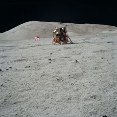 Apollo 17 Lunar Module Challenger at Taurus-Littrow Apollo Space Program, Nasa Space Program, Apollo Missions, Nasa Missions, Moon Missions, Nasa Photos, Space Race, Constellations, Man On The Moon