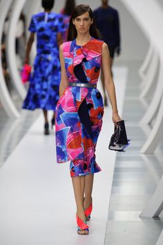 Pin for Later: Pretty in Prints: The Most Wow-Worthy Patterns to Hit the Runway Roksanda Spring 2015
