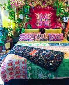 Boho Chic Interior Design - Bohemian Bedroom Design - Josh and Derek Boho Chic Interior, Bohemian Bedroom Design, Bohemian House, Bohemian Decor, Interior Exterior, Interior Design, Tyni House, Decoration, Sweet Home