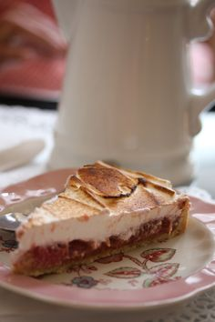 Rhubarb Meringue Tarte Rhubarb Meringue, Food Photography, Cheesecake, Cooking, Desserts, Gardens, Recipes, Meal, Normandy