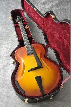 Gibson L-5 Shark