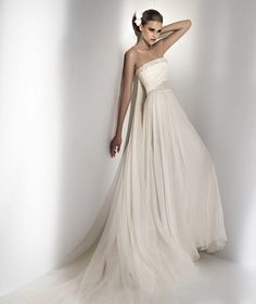Beach Chic Wedding | Beach Style Wedding Gown