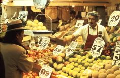 Hansson Fruit stall in Pike Place Market, circa 1976