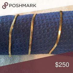 """14kt YG Italian Herringbone Chain Necklace 18"""" 14Kt Yellow Gold Herringbone Necklace, 4g, scale fluctuates between 4 & 5g. PLEASE stop trying to scam me on this piece. No trades, No PAYPAL, No Low Balls please. FIRM Jewelry Necklaces"""