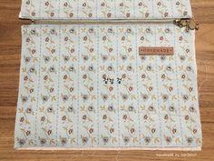 파우치 만들기 ( 과정샷 ) : 네이버 블로그 Clutch Bag Pattern, Pouch, Wallet, Pattern Fashion, Diy And Crafts, Tote Bag, Purses, Sewing, How To Make