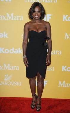 She 'kilt' it in this dress and she is getting away with it! LOL Viola has a great sense of #fashion, but even better sense of #style. She doesn't just look nice in this dress. She is in such good shape. It's inspiring.
