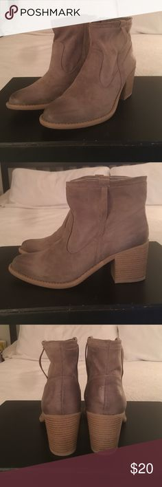 Qupid Booties - size 9 Brand new, never worn. Qupid Shoes Ankle Boots & Booties