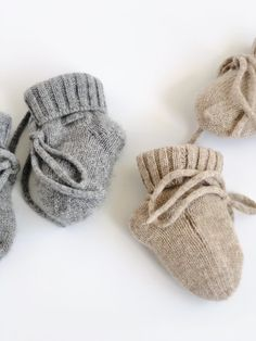 Exquisitely soft, these 100% cashmere booties with cashmere ankle tie and fold over ankle cuff are a real treat for your little one's feet.These booties will keep your babies feet cosy and warm all winter and make such a special gift!Features an easy to remove label. Fits 0-6 months. Material & Care – 100% cashmere. Hand wash only. Baby Gift Sets, Newborn Baby Gifts, Grey And Beige, Baby Socks, Baby Feet, Unisex Fashion, Baby Shop, Cosy, 6 Months