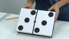 Aprende cómo hacer un dominó gigante con tus hijos. Si te gusta, aquí podrás encontrar más juguetes caseros con materiales reciclados muy divertidos y originales para hacer.