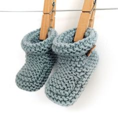Knitted Baby Booties – Easy Pattern & Tutorial
