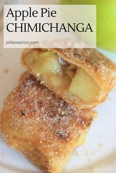 Delicious Apple Pie Chimichanga Recipe made with Mexican flour tortillas filled with apple pie filling, deep fried and rolled into a cinnamon sugar mix. Apple Desserts, Apple Recipes, Easy Desserts, Delicious Desserts, Yummy Food, Apple Cakes, Funnel Cakes, Sweets Recipes, Mexican Food Recipes